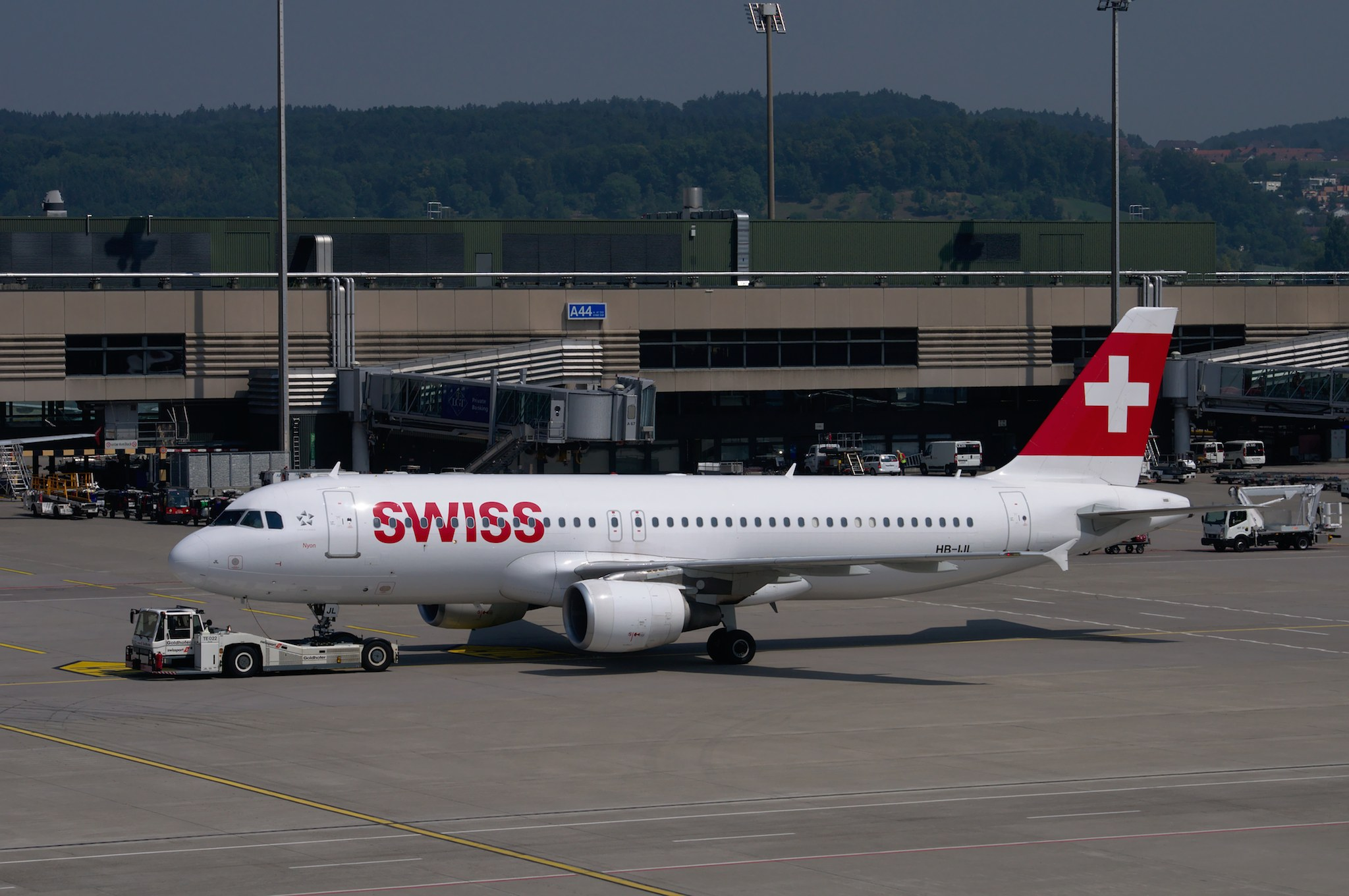 2015-08-12-ZRH 5885 par Norbert Aepli, Switzerland sous (CC BY 3.0) https://commons.wikimedia.org/wiki/File:2015-08-12-ZRH_5885.jpg#/media/File:2015-08-12-ZRH_5885.jpg http://creativecommons.org/licenses/by/3.0/