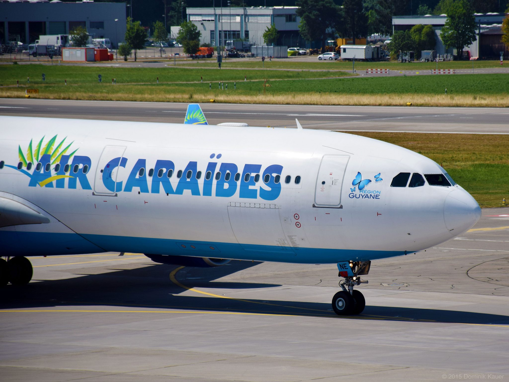 Air Caraïbes Airbus A330-323E | F-OONE (ZRH) par dxme sous (CC BY-SA 2.0) https://www.flickr.com/photos/_dxme/20029299123/ https://creativecommons.org/licenses/by-sa/2.0/