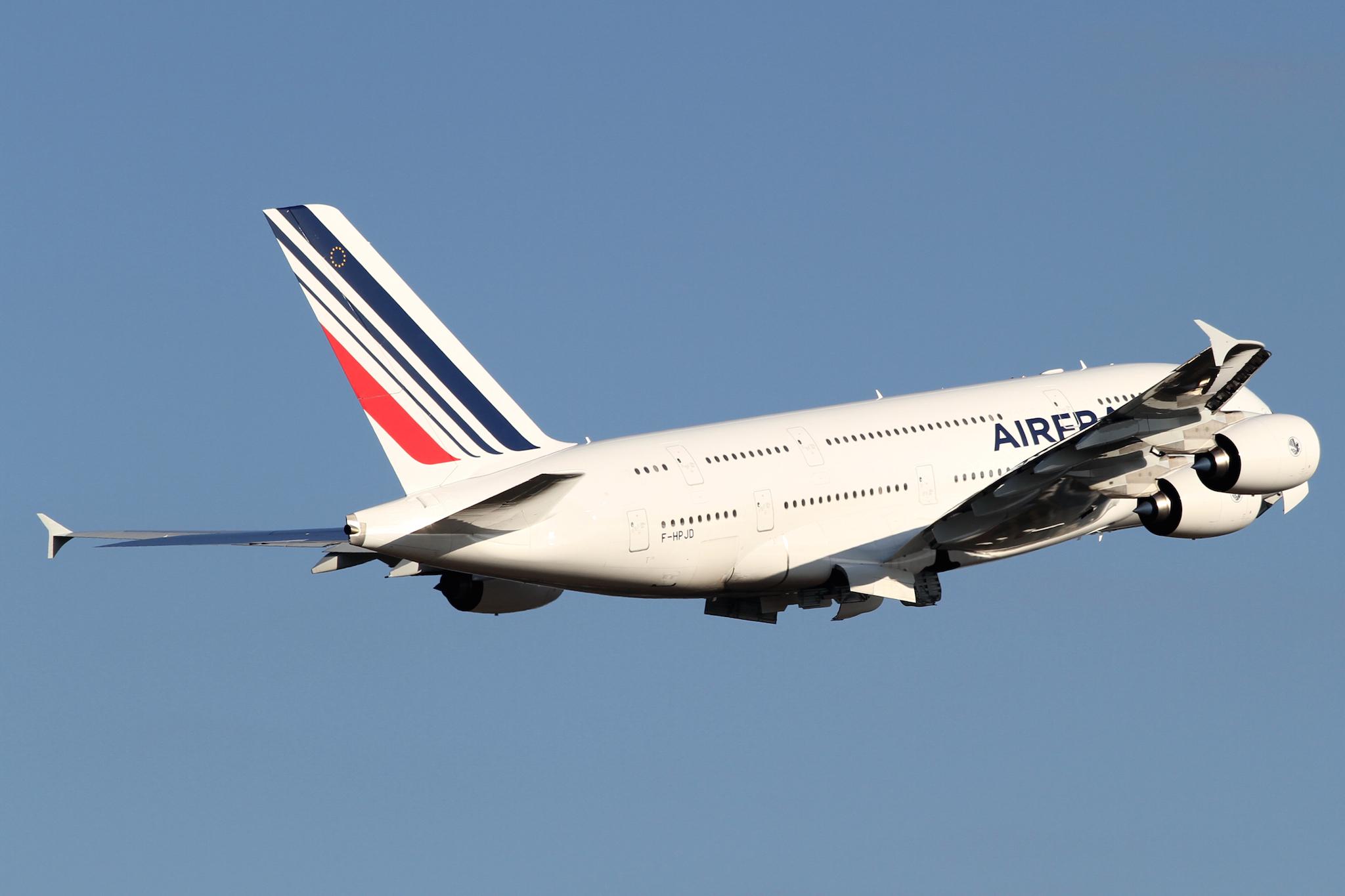 Air France A380-800(F-HPJD) par PROKentaro IEMOTO sous (CC-by-sa 2.0)