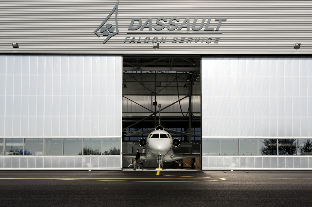 instalation Dassault Falcon Service de Bordeaux-Mérignac. - France Falcon 7X.