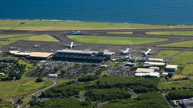Vue aérienne des terminaux et du tarmac
