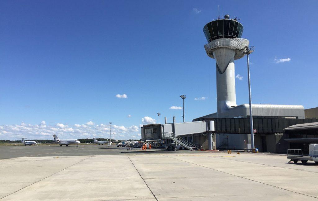 Tour de Bordeaux-Mérignac (c) AAF_Aviation