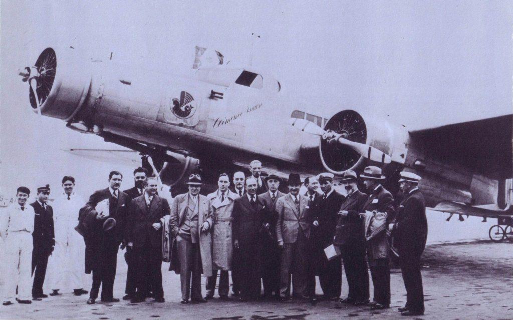 Max-Hymans-escale-Vienne collection Musée Air France sous CC BY-SA 3.0