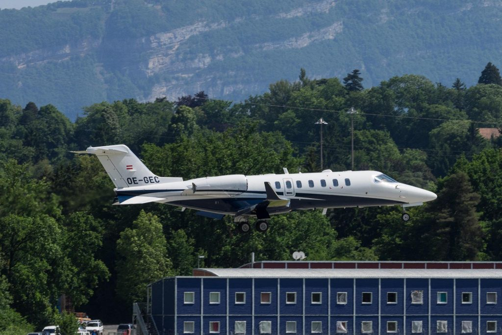 OE-GEC Bombardier LearJet 75 LJ75 > SPG Speedwings Executive Jet par Markus Eigenheer sous (CC BY-SA 2.0) https://www.flickr.com/photos/78631472@N03/19073651852/ https://creativecommons.org/licenses/by-sa/2.0/