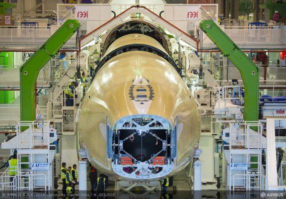 Assemblage premier A350-1000 à Touloue - Airbus