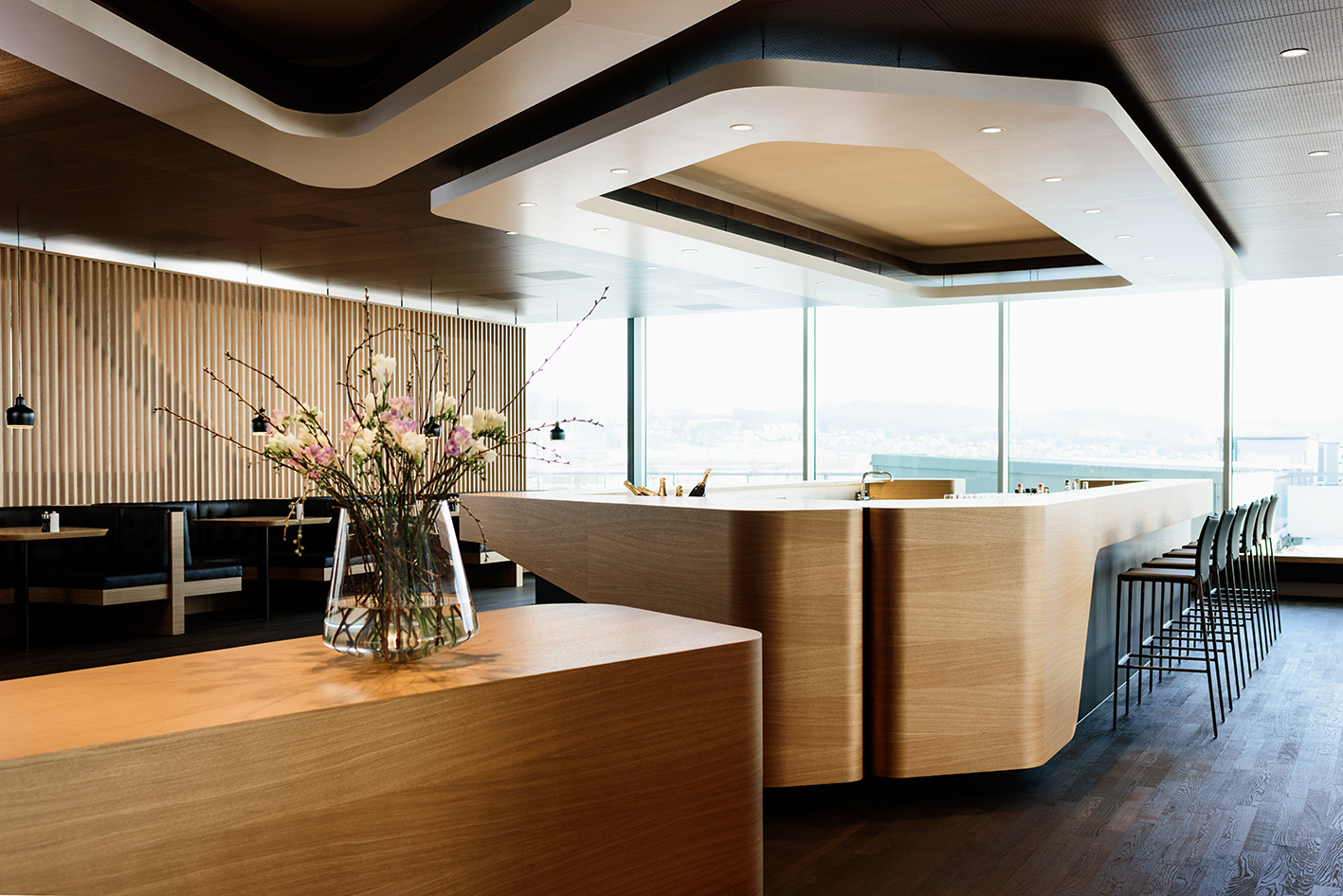 SWISS FIRST LOUNG Zurich - ©SWISS
