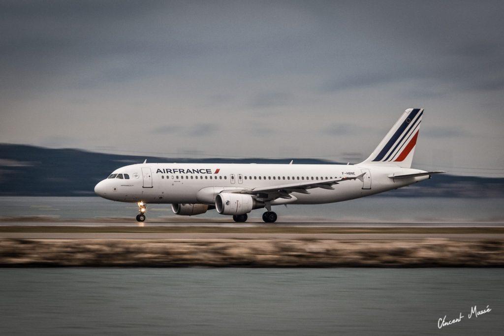 Visuel principal : Airbus A320 à Marseille par ©Vincent Massé – Tous droits réservés