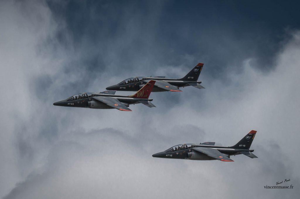 1 Alpha Jet de la composante air de la Défense belge – 2 Alpha Jet de l' EAC