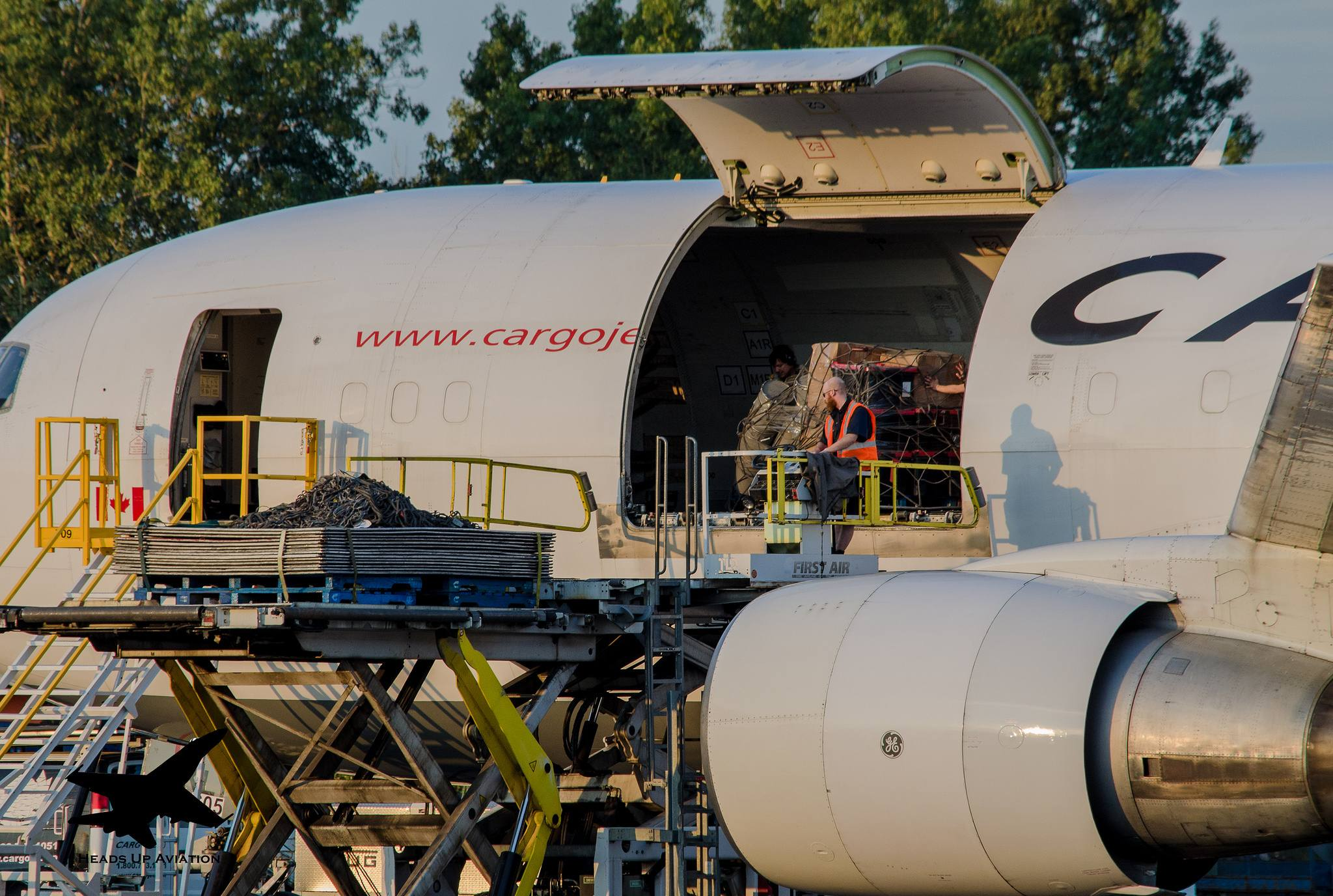 C-GKLY Cargojet Boeing 767-223 par Heads Up Aviation sous (CC BY-NC-ND 2.0) https://www.flickr.com/photos/willc33/20807806516/ https://creativecommons.org/licenses/by-nc-nd/2.0/