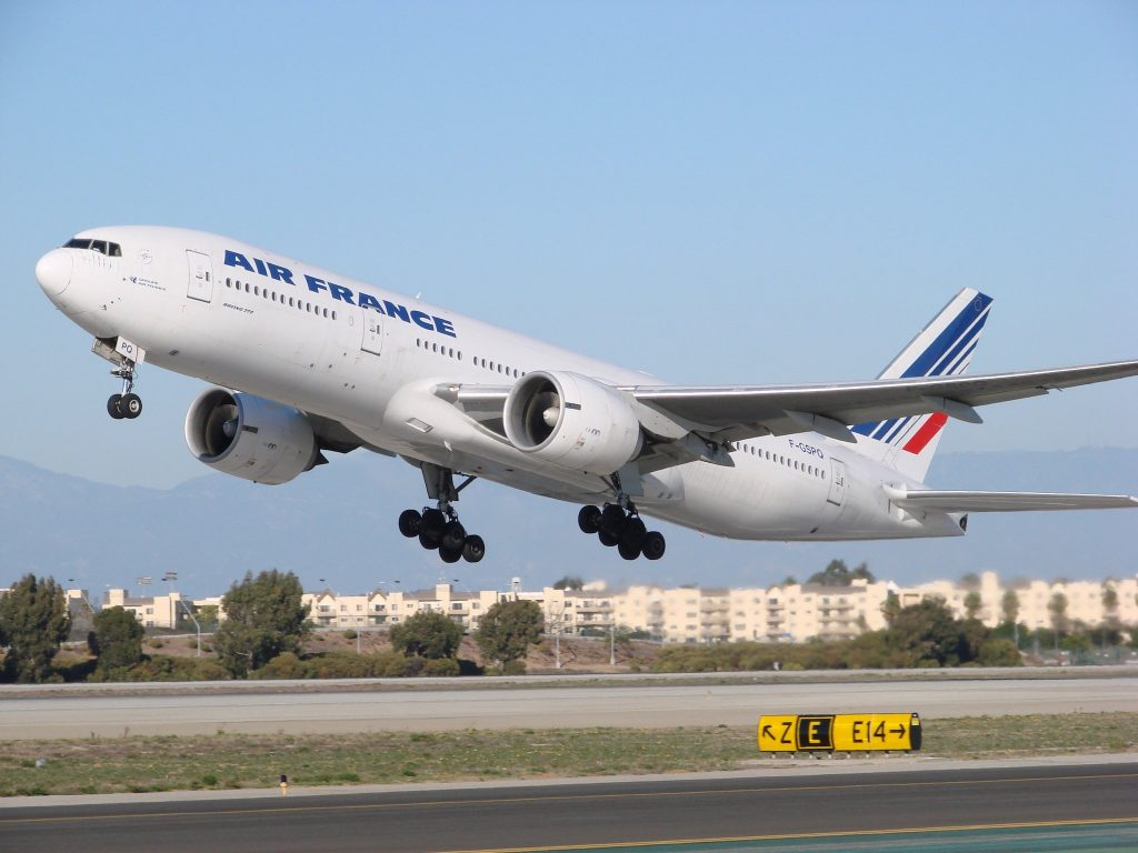 Air France 25L par John Murphy sous (CC BY-SA 2.0) https://www.flickr.com/photos/kingair42/2157594796/ https://creativecommons.org/licenses/by-sa/2.0/