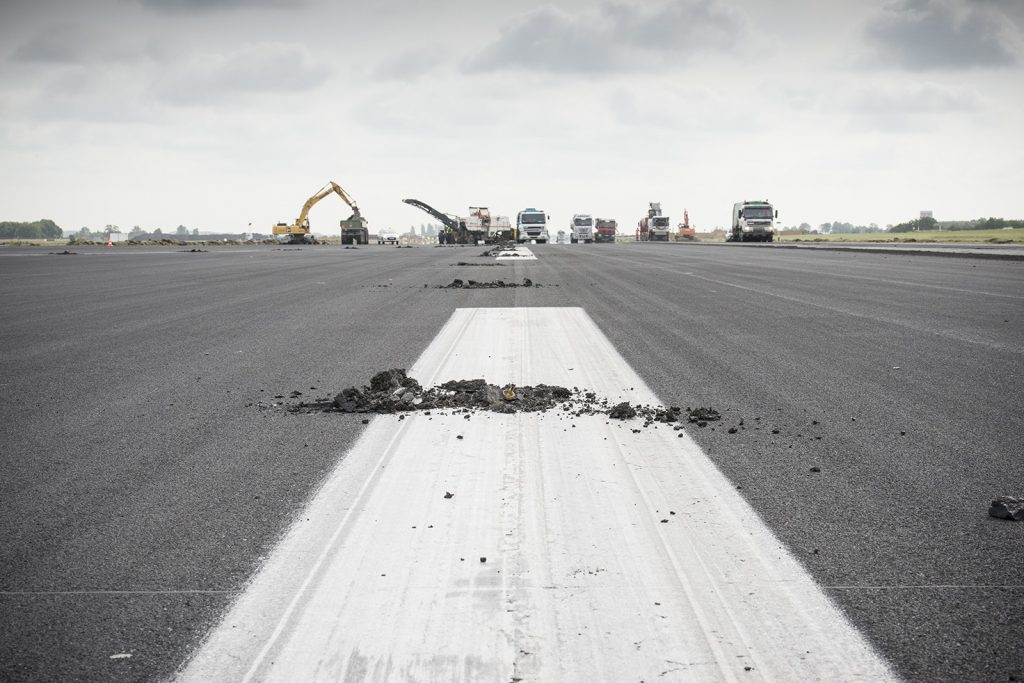 Rénovation de la piste 25L/07R par Brussels Airport