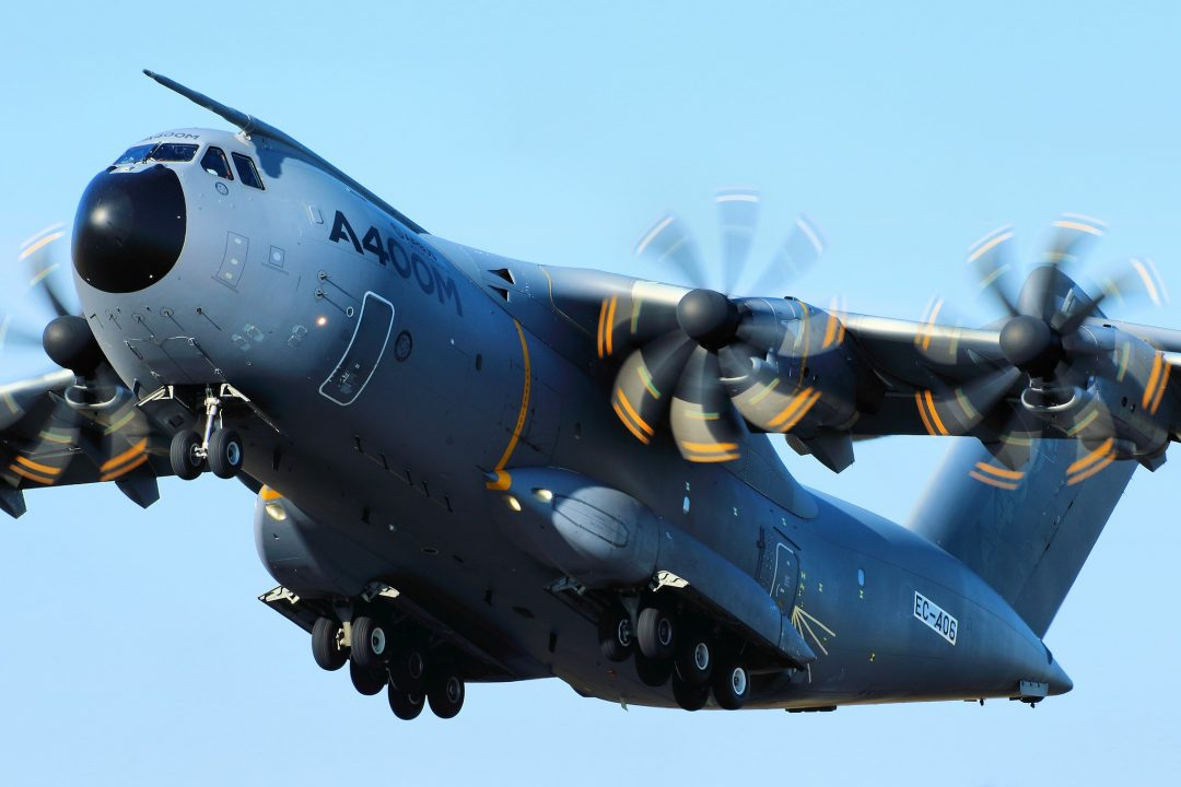 A400M - RIAT 2015 par Airwolfhound sous (CC BY-SA 2.0) https://www.flickr.com/photos/24874528@N04/20665487011/ https://creativecommons.org/licenses/by-sa/2.0/