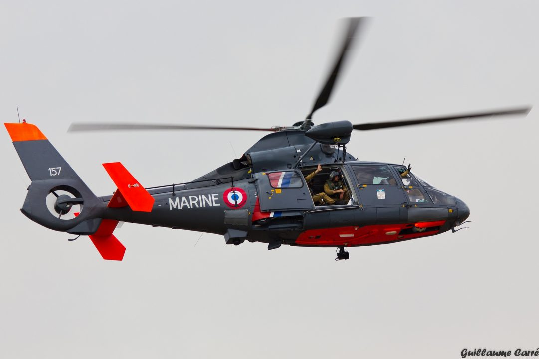 SA 365N Dauphin de la Marine Française en vol