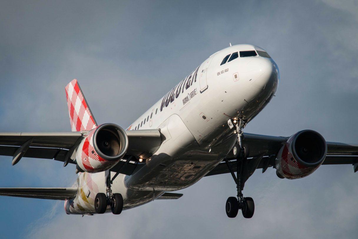 Volotea Airbus A319 EC-FMU