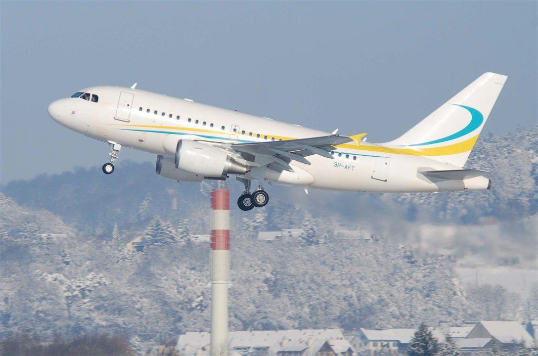 Airbus et Comlux Aviation Airbus A318-112 / 9H-AFT