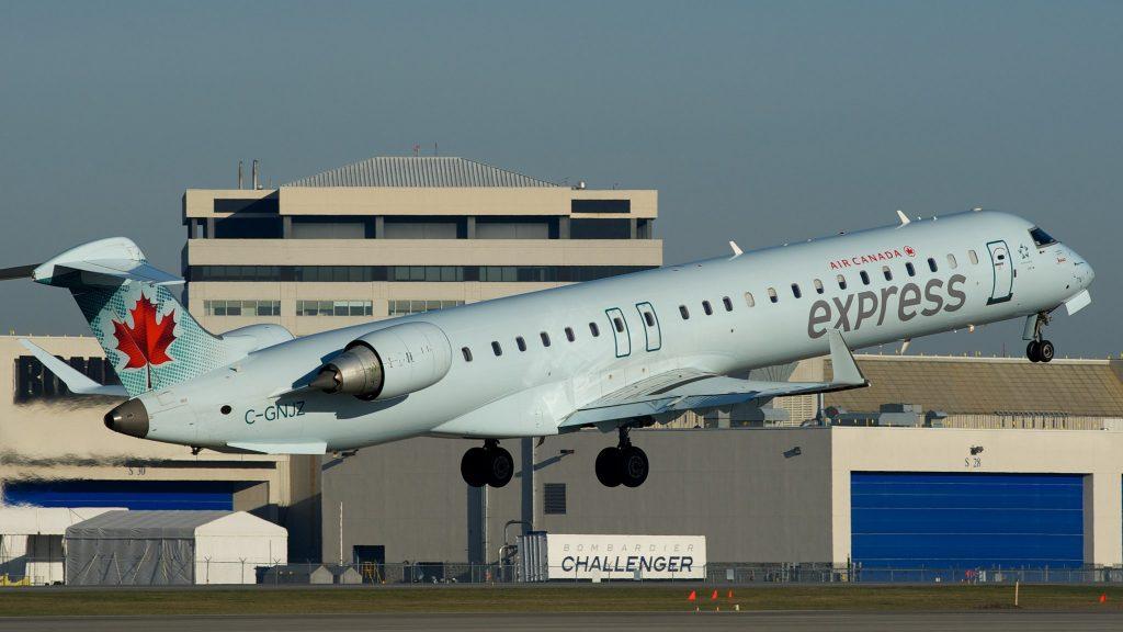Jazz (dba Air Canada Express) Bombardier CRJ-705 C-GNJZ