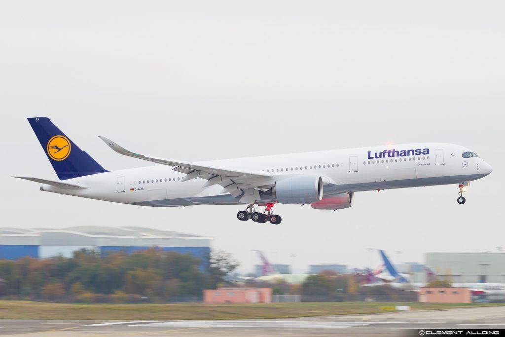 Airbus A350-900 Lufthansa - 1er vol le 29 novembre 2016 à Toulouse, France