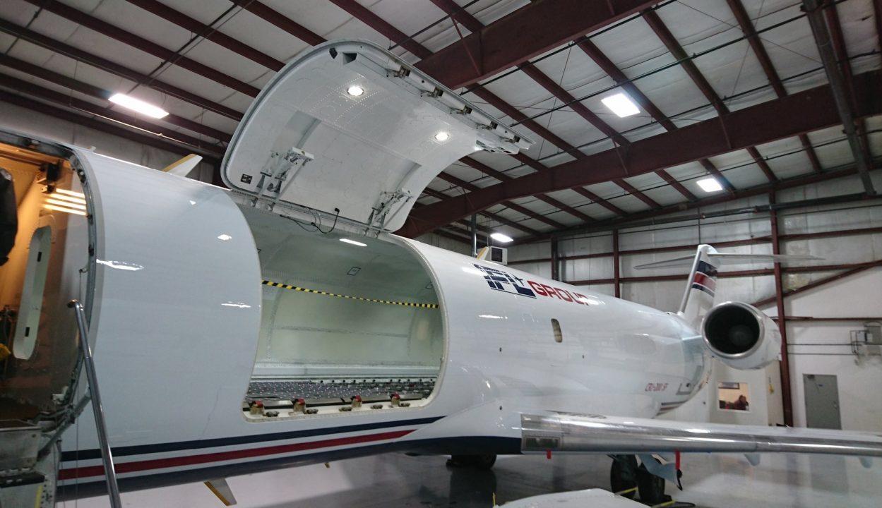 CRJ200 Special Freighter - CRJ200SF