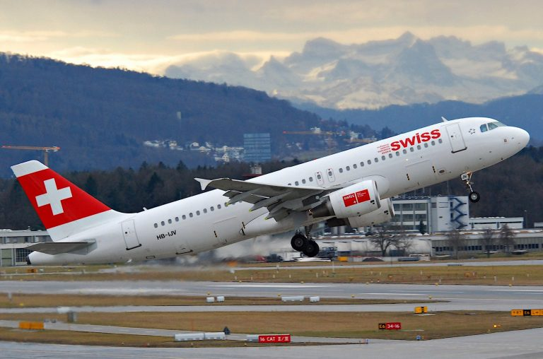 Swiss Airbus A320-214