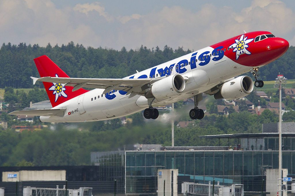 Edelweiss Air Airbus A320-214