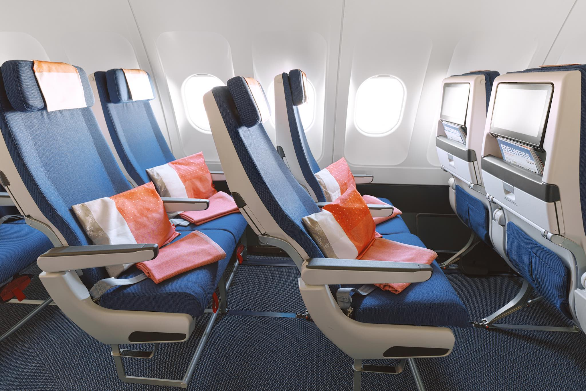 Edelweiss ajoute trois airbus a320 et deux a340 sa for Migliori cabine business class 2017