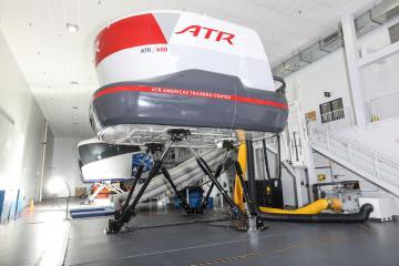 Simulateur de vol type FFS (Full Flight Simulator) pour la formation des pilotes de la gamme ATR-600