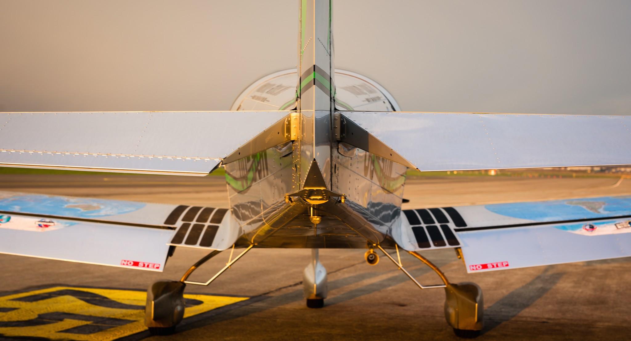Premier vol du sonaca 200 l a roport de charleroi aaf for Interieur avion westjet