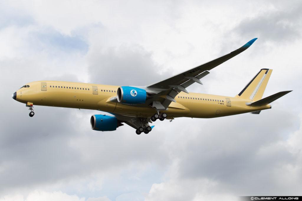 French Blue Airbus A350-941 cn 005 F-WWYB // F-HREU