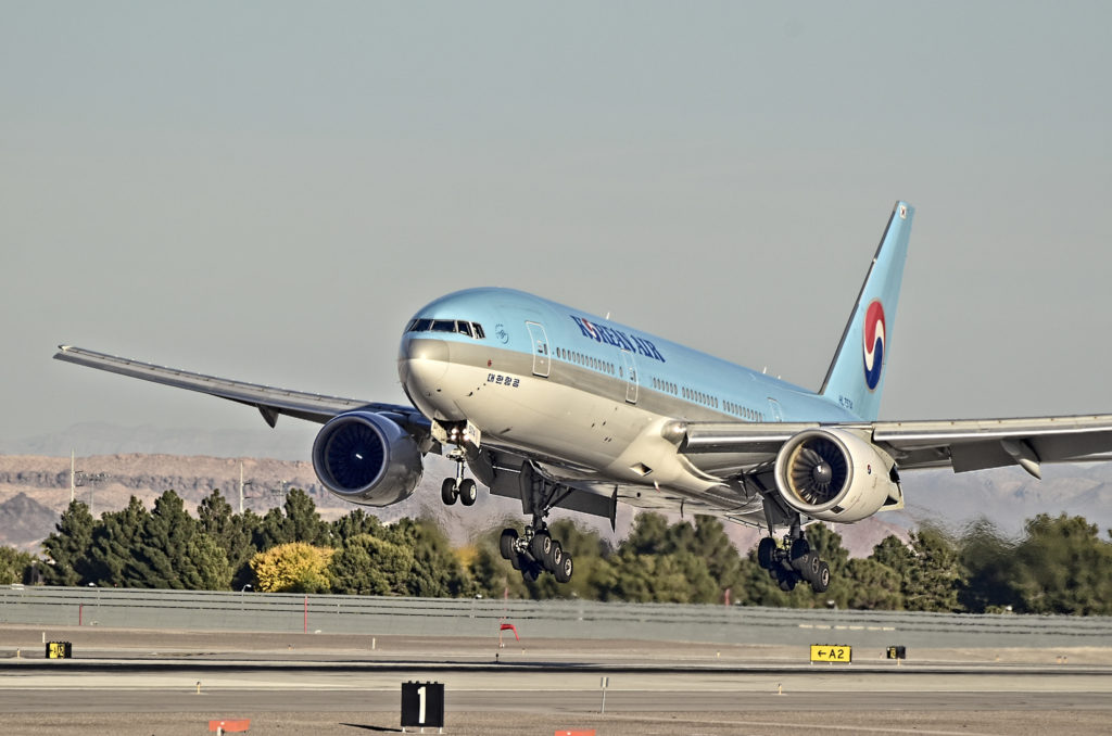 Korean Air Boeing 777-2B5/ER
