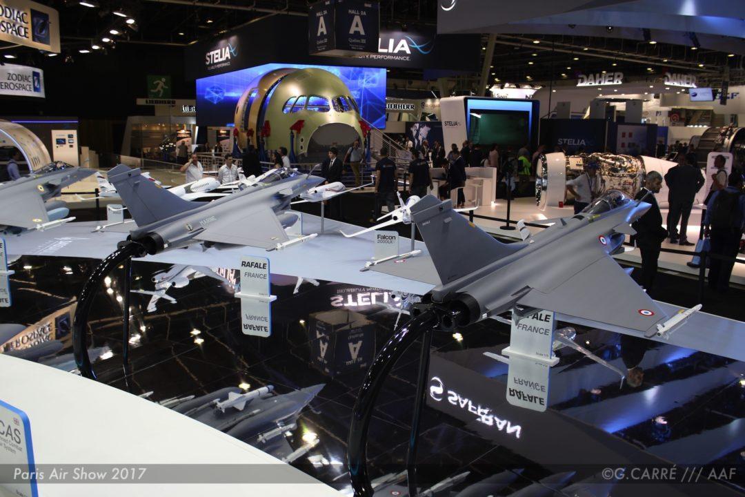 Les versions du Rafale sur le stand Dassault Aviation