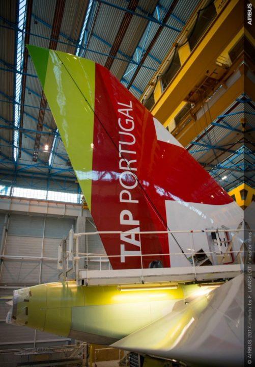 Assemblage de la dérive du futur A330neo TAP