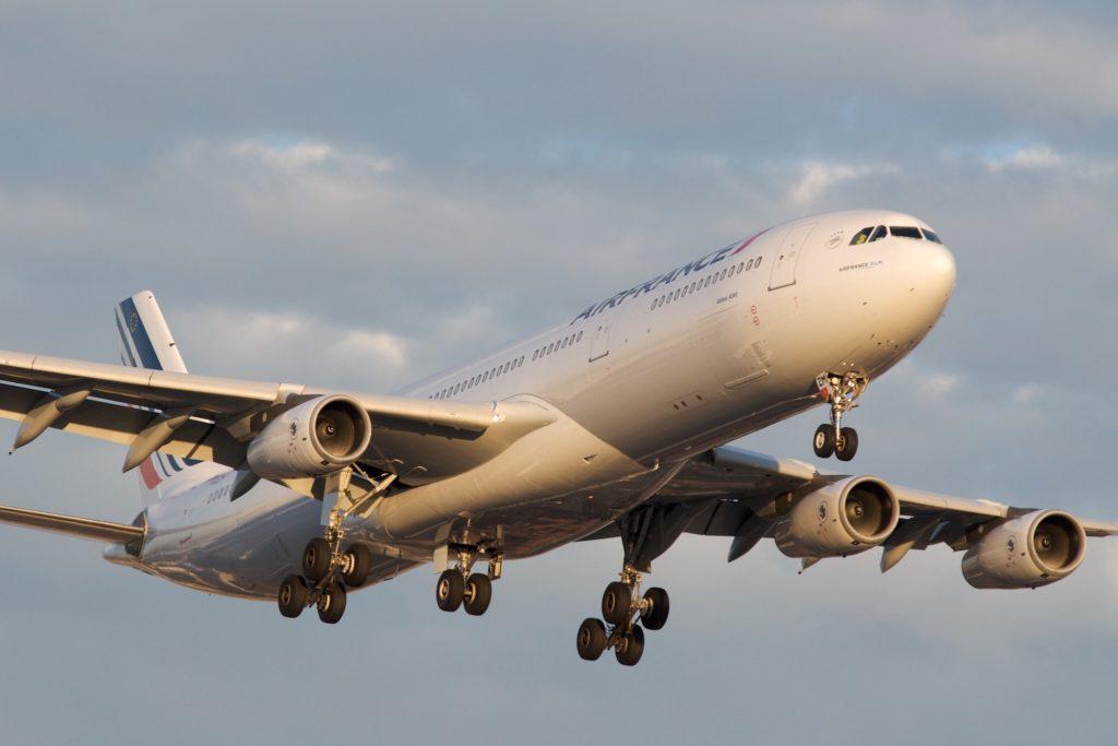 Air France A340-300 F-GLZM