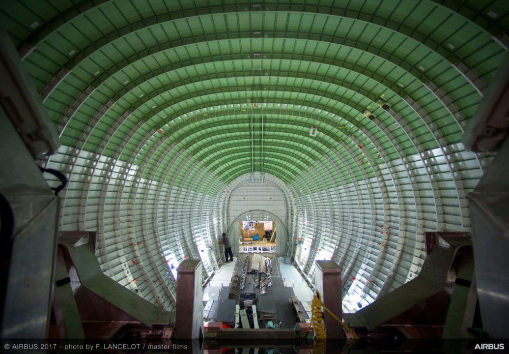intérieur du fuselage et de la future soute du Beluga XL