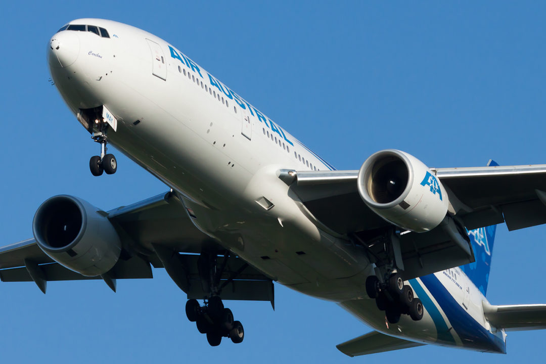 Air Austral Boeing 777-2Q8/ER F-OMAY cn 29402/517