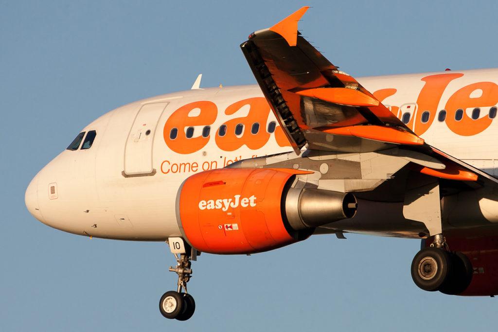 EasyJet Airline Airbus A319-111 cn 2512 G-EZIO