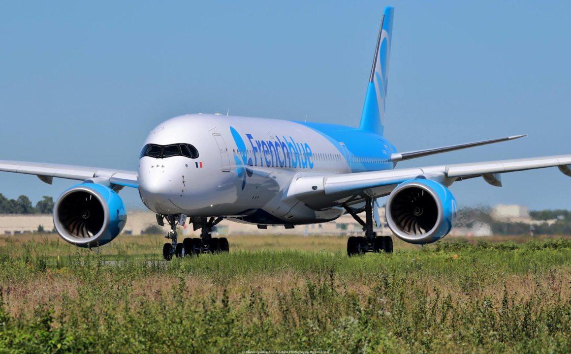 A350-941 French Blue F-HREU au roulage à Bordeaux