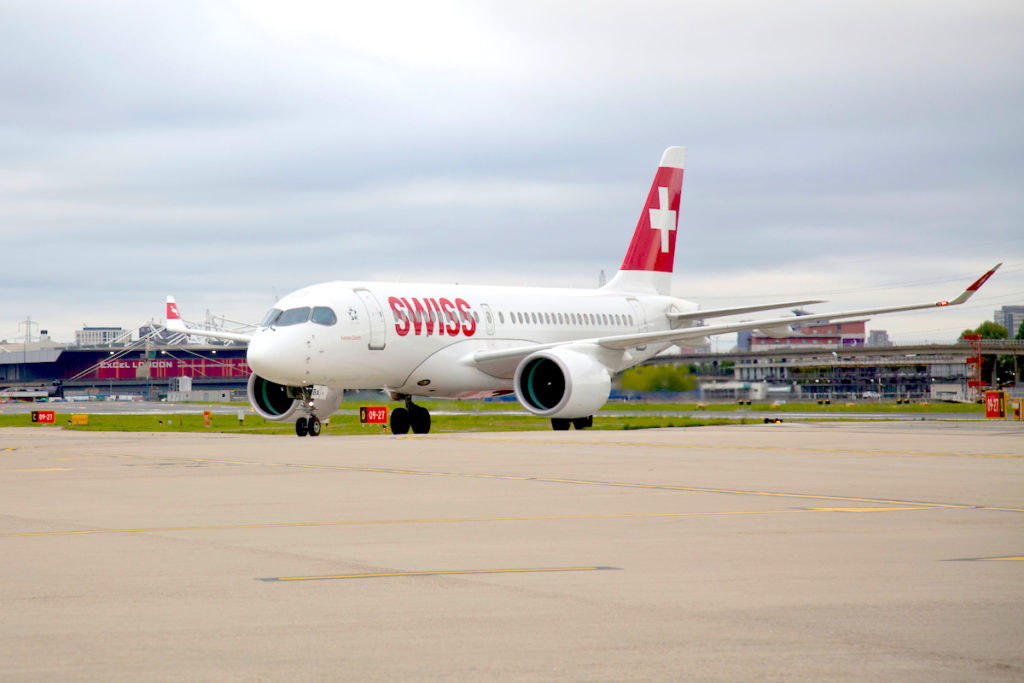 CS100 SWISS sur le tarmac de London City
