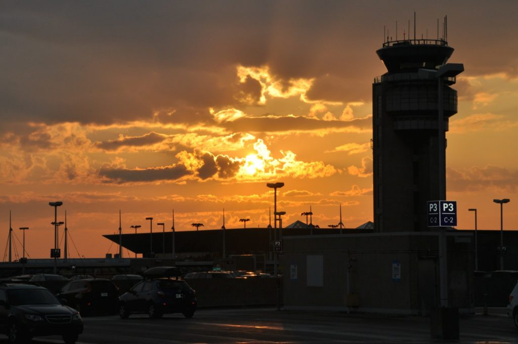 tour de contrôle Aéroport international Pierre-Elliott-Trudeau de Montréal