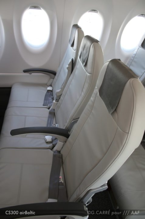 Sièges de la cabine Classe Éco du Bombardier CS300 airBaltic