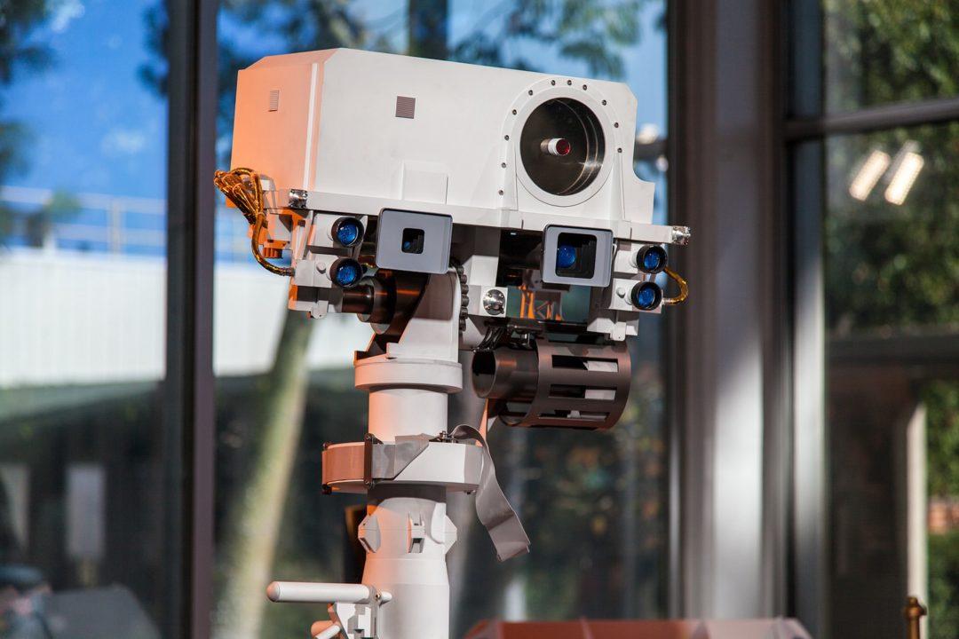 réplique grandeur nature de Curiosity avec son laser ChemCam
