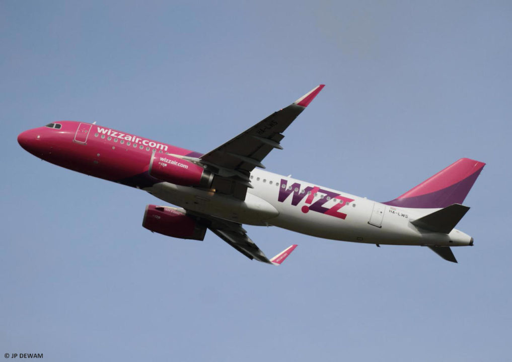 1er vol WIZZ au décollage piste 23 à Bordeaux - A320 [HA-LWS]