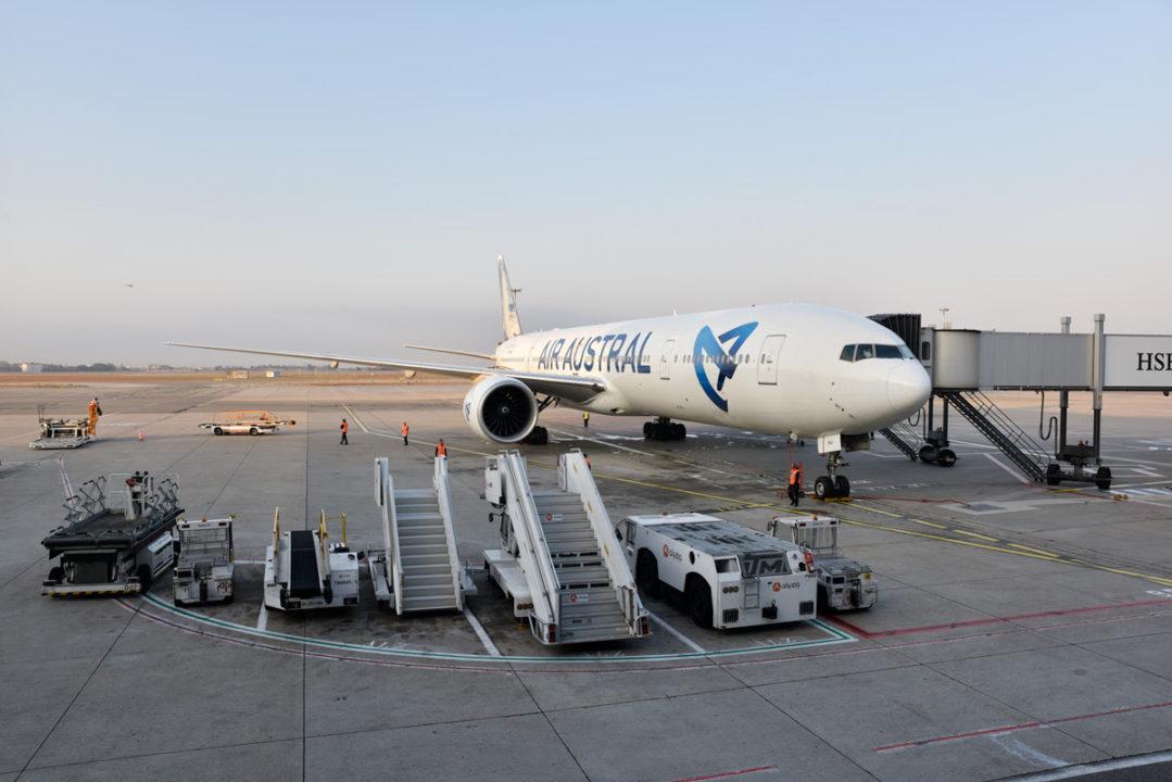 Boeing 777 Air Austral sur le tarmac de Marseille