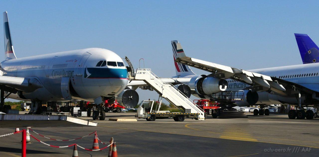 avions en cours de désasemblage à Tarbes