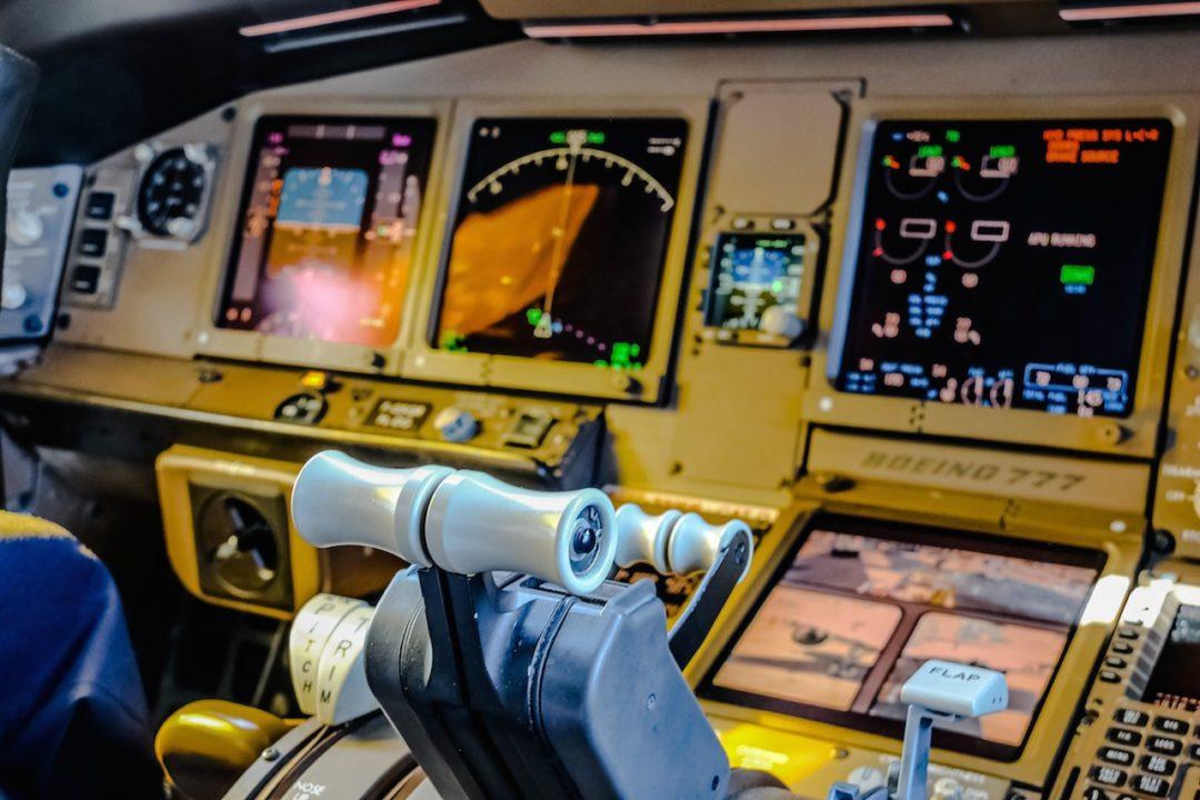 cockpit du Boeing 777