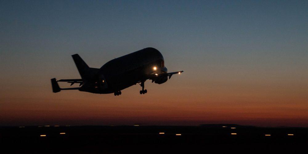 Airbus A300-600ST Béluga au décollage de l'aéroport d'Albert-Picardie après son chargement (c) Vincent Massé - Reproduction interdite