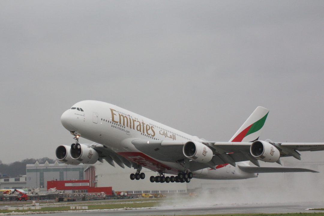 A380 Emirates MSN232 au décollage de Hambourg pour ce vol [13/12/2017]