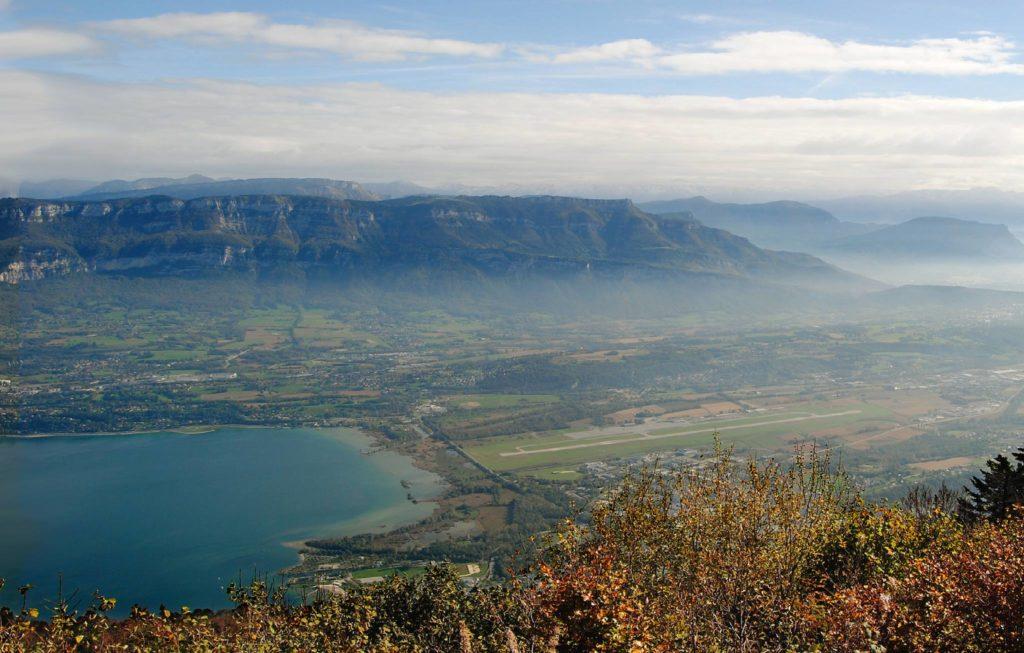 L'aéroport de Chambéry et le lac du Bourget