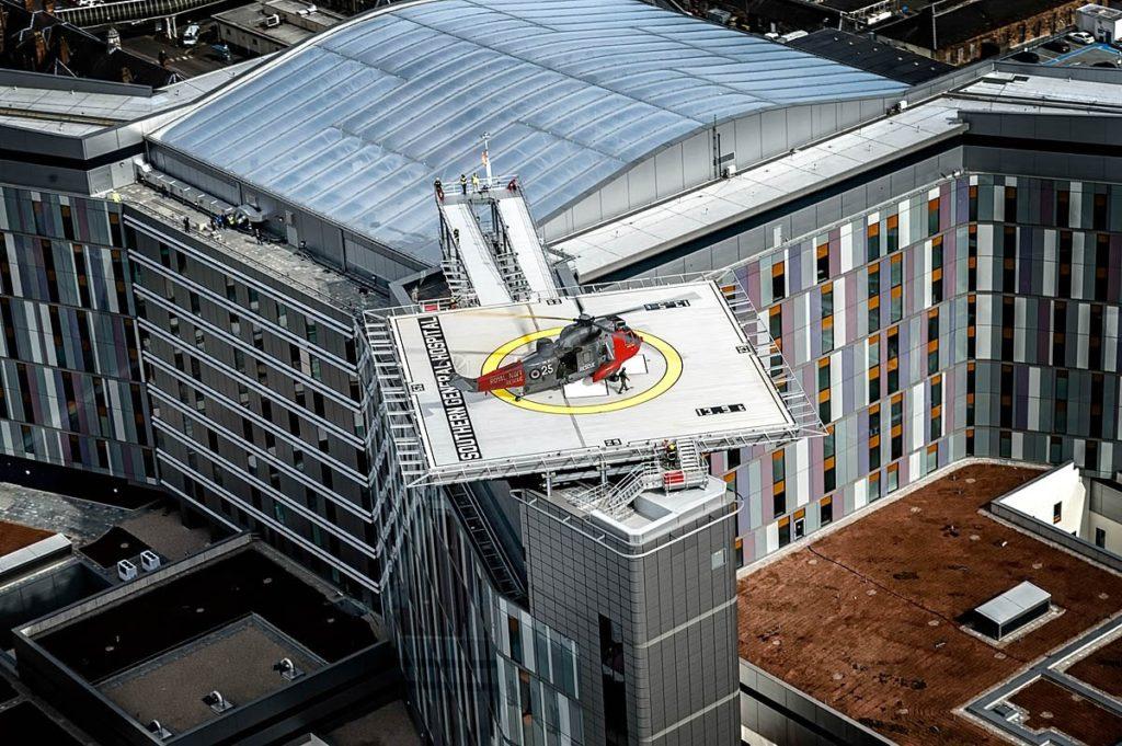 Plateformes hélicoptères installées sur les toits de bâtiments