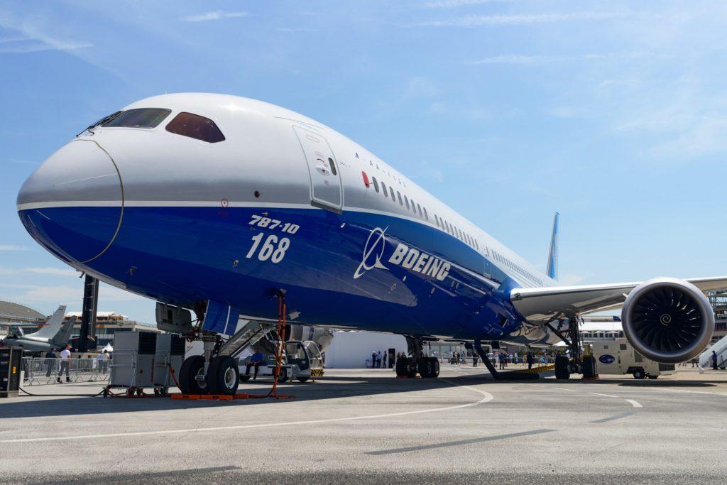 Boeing 787 10