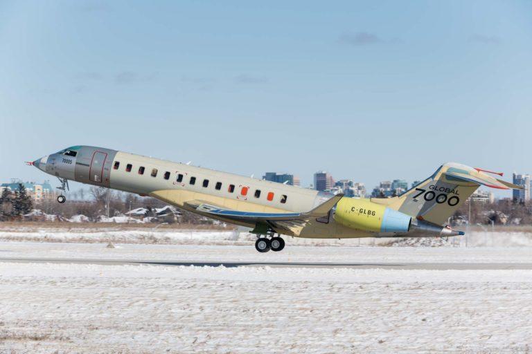 cinquième véhicule d'essais en vol du Global 7000